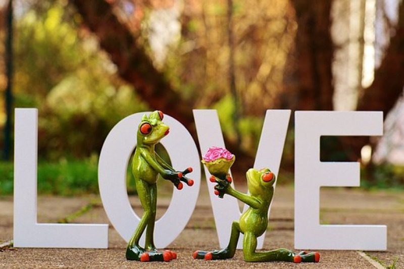 La proposta di matrimonio ai nostri tempi: che cosa è cambiato