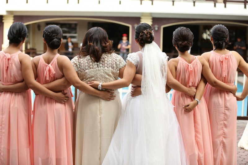 Damigelle d'onore al tuo matrimonio: i 5 compiti più importanti a cui devono far fronte