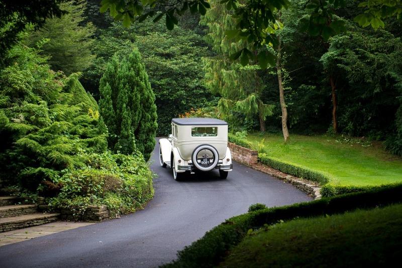 5 consigli per noleggiare l'auto del matrimonio senza commettere errori