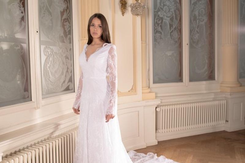Moda sposa 2019: scegliete un abito con maniche lunghe!
