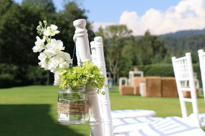 La nuova frontiera del matrimonio? Il glamping camping