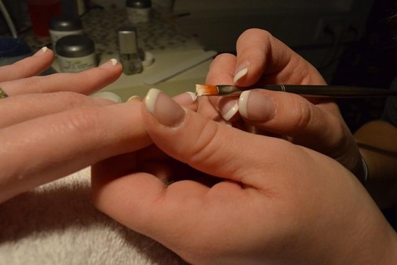 La manicure perfetta per le nozze