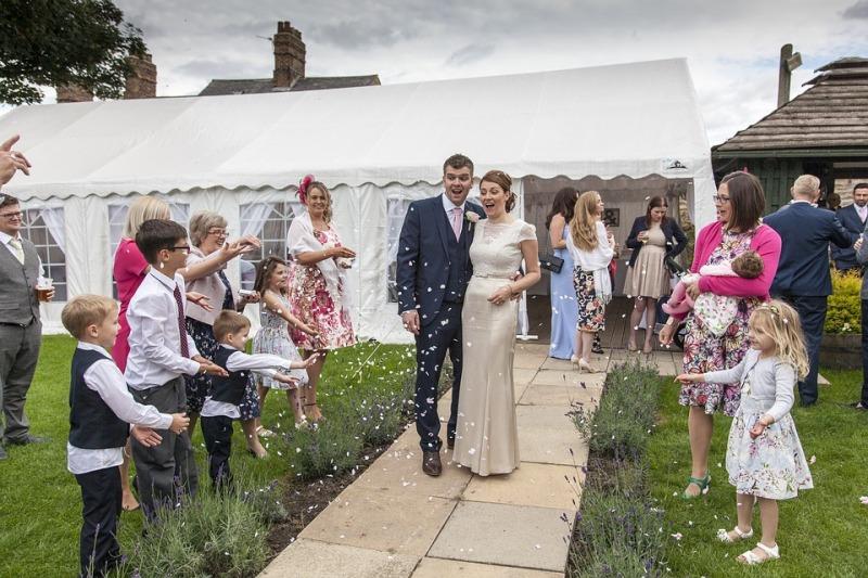 Scegliere la babysitter per i piccoli ospiti alle tue nozze : la piattaforma babysits.it