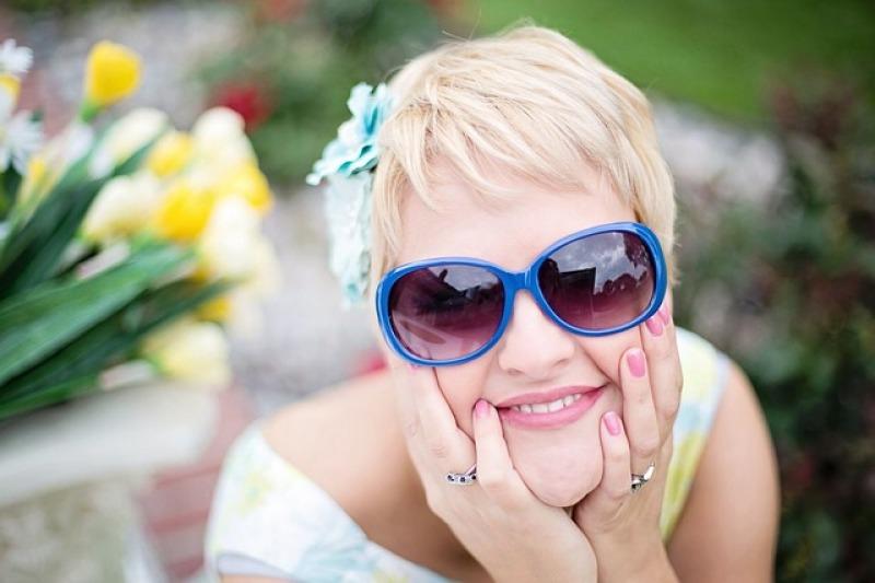 Gli occhiali da sole: un accessorio da evitare nel giorno del matrimonio?
