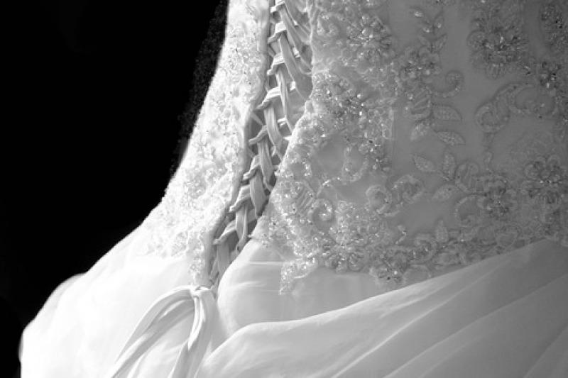 Tendenza sposa 2020: perché non sposarsi in shorts?