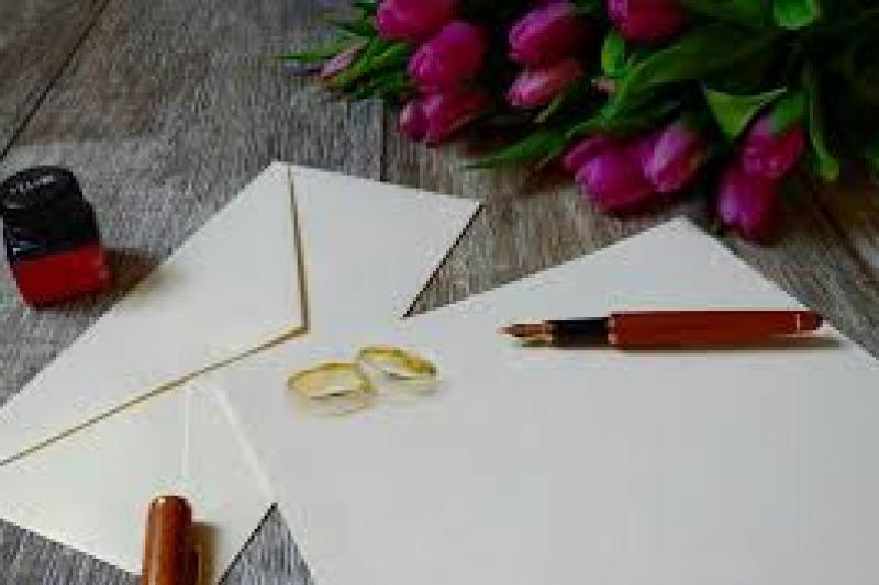 Change the date: comunicare la nuova data delle nozze agli invitati