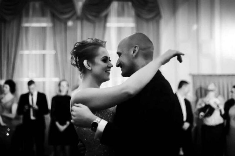 Idee per Il primo ballo degli sposi al matrimonio: quali canzoni d'amore scegliere e quando farlo!