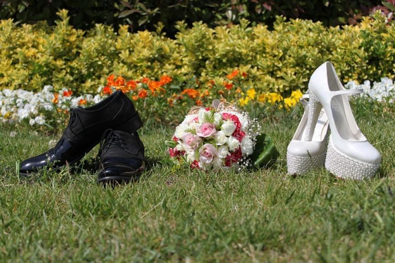 Gioco delle scarpe per il vostro matrimonio: le domande più divertenti e piccanti da fare agli sposi