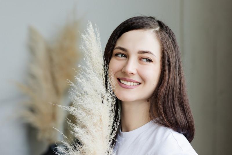 Sbiancare i denti con rimedi naturali: consigli per un sorriso perfetto il giorno del matrimonio