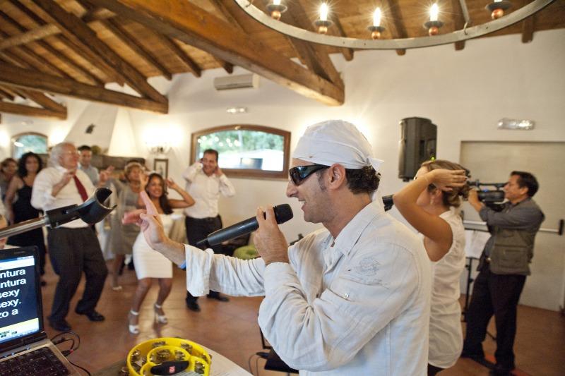 Balli di gruppo al matrimonio, classici e per bambini, flashmob a sorpresa per gli sposi