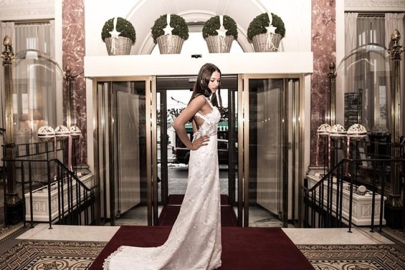 Un solo matrimonio, due abiti da sposa