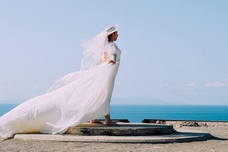 Il cappello per la sposa: cosa dice il galateo