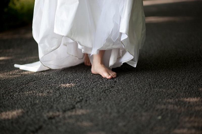 Sposarsi a piedi nudi